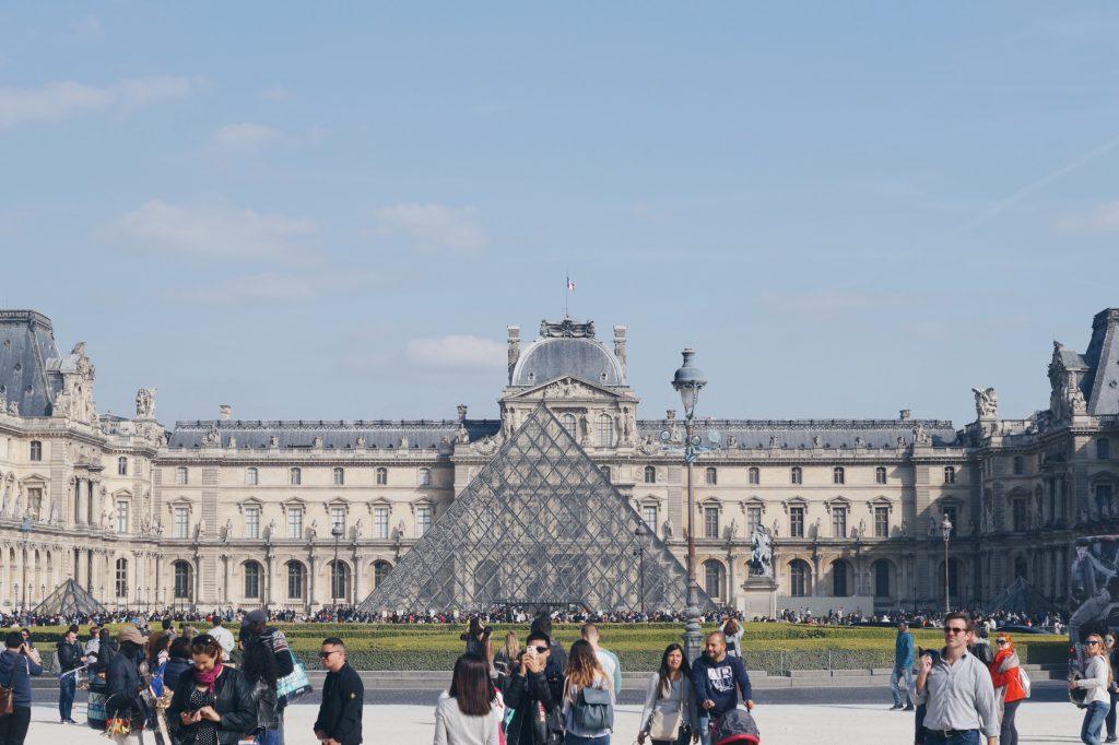 louvre museum sakrileg travel citytrip paris arc de triomphe frankreich blog blogger