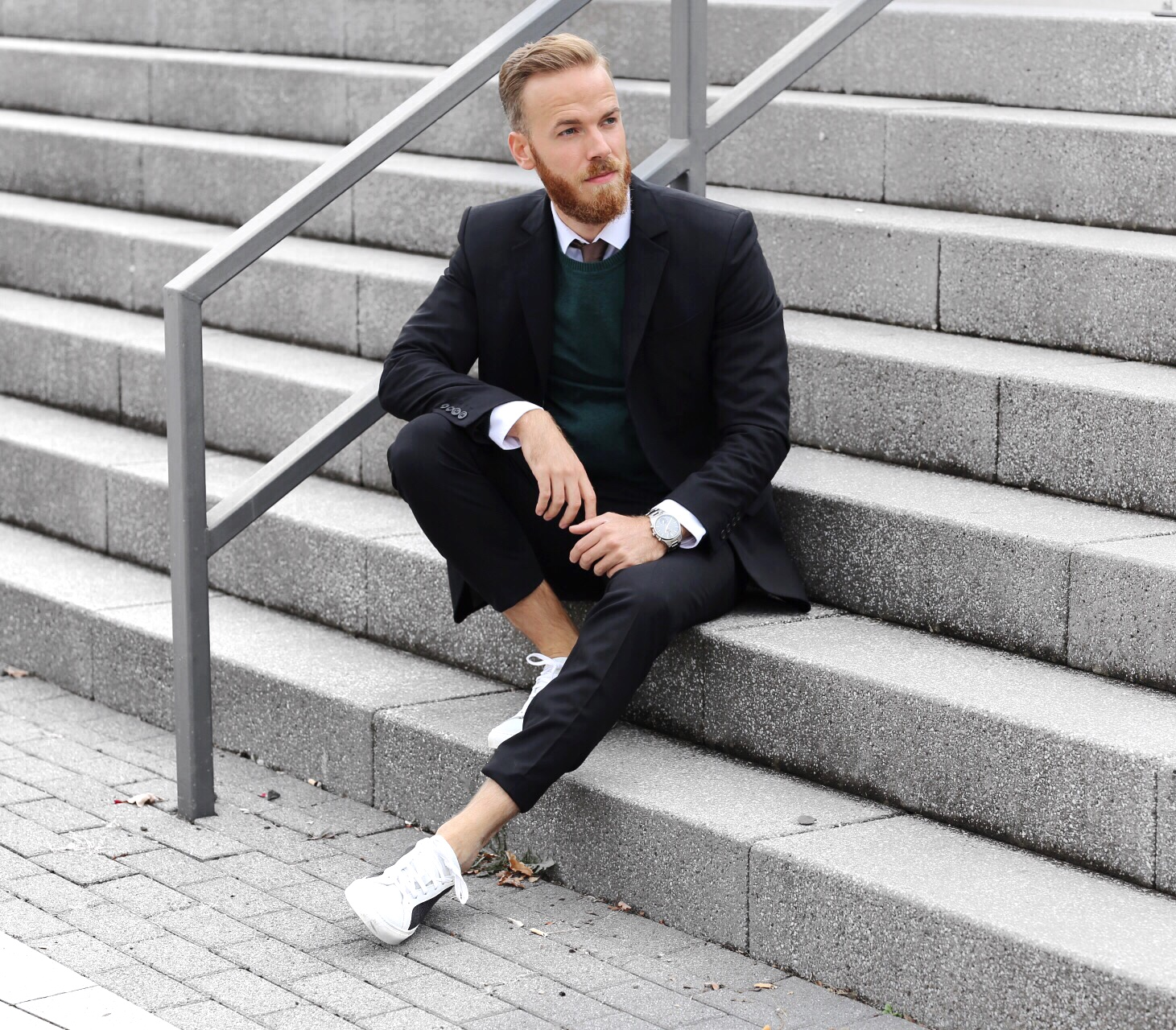 OUTFIT – One Suit Two Looks