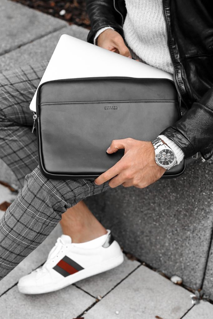 FASHION - Macbook Hülle von BULLAZO Bernd Hower berndhower instagram blog herren mode model instagram blogger trier koblenz menswear mensfashion menwithclass menwithstreetstyle