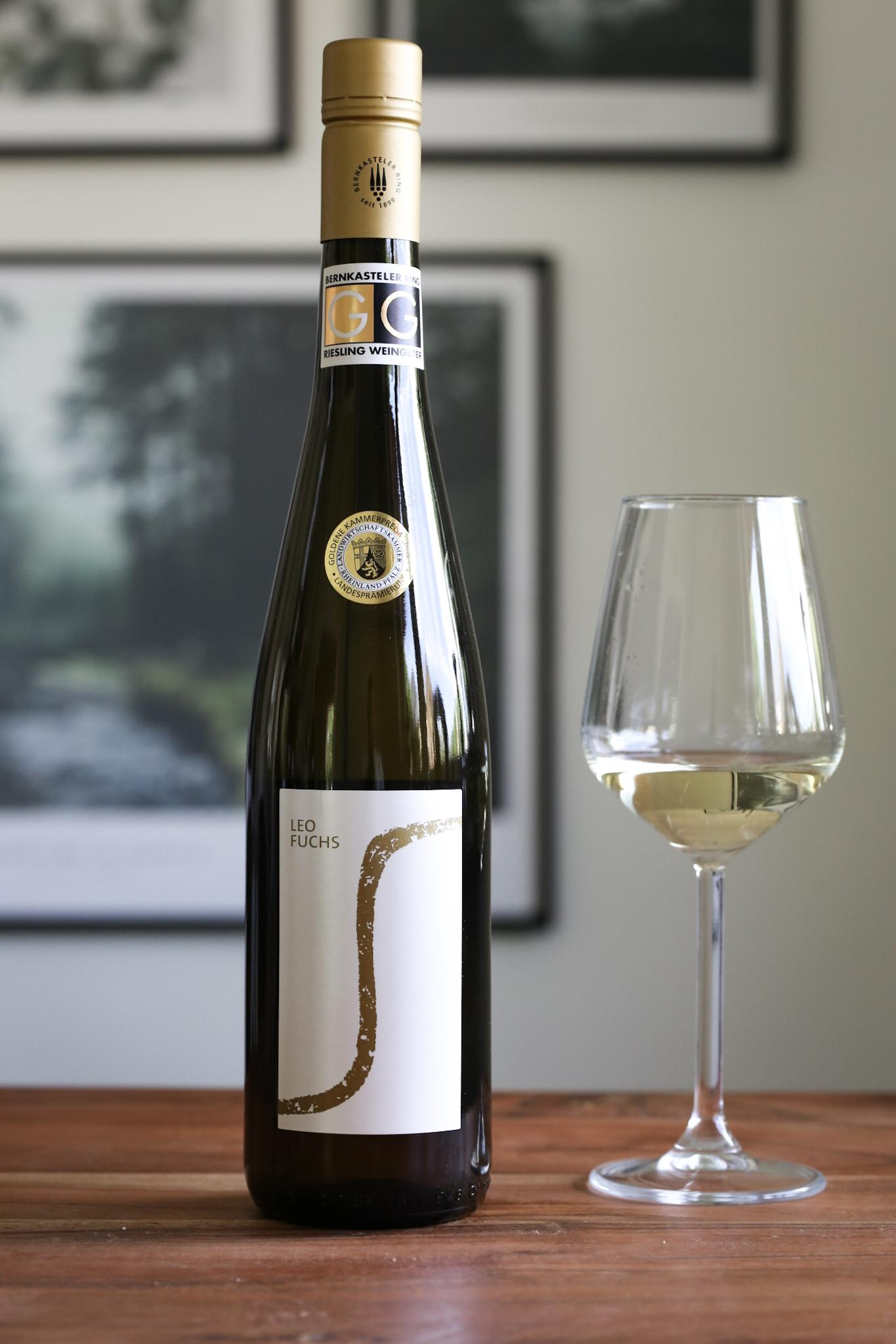 Gelebte Tradition trifft auf Moderne im Weingut LEO FUCHS Riesling Mosel Wein Weißburgunder Moseltal Schiefer